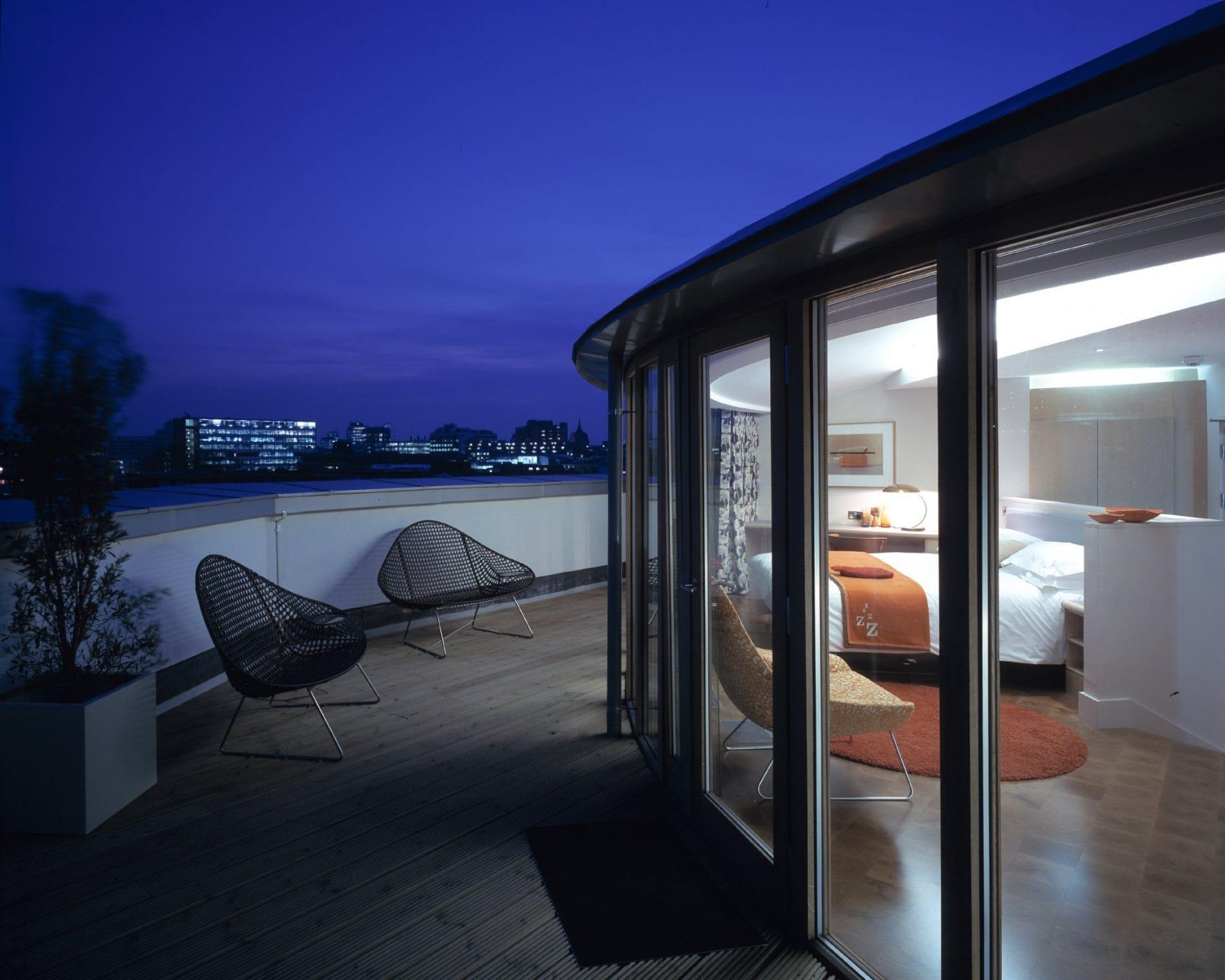 Rooftop Deluxe 2 – Andreas Von Einsiedel
